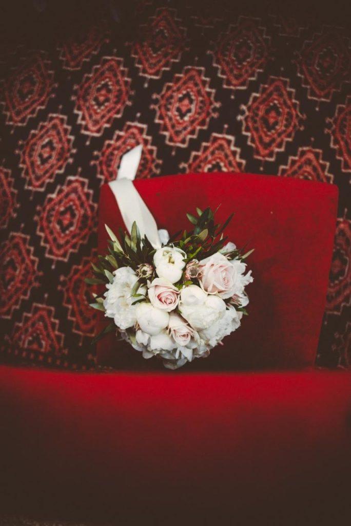 bouquet blanc et rose poudré  fleur par nature montpellier
