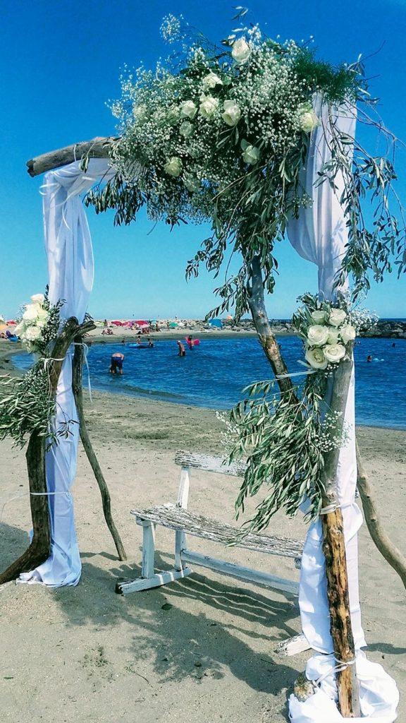 arche blanche sur la plage  fleur par nature montpellier