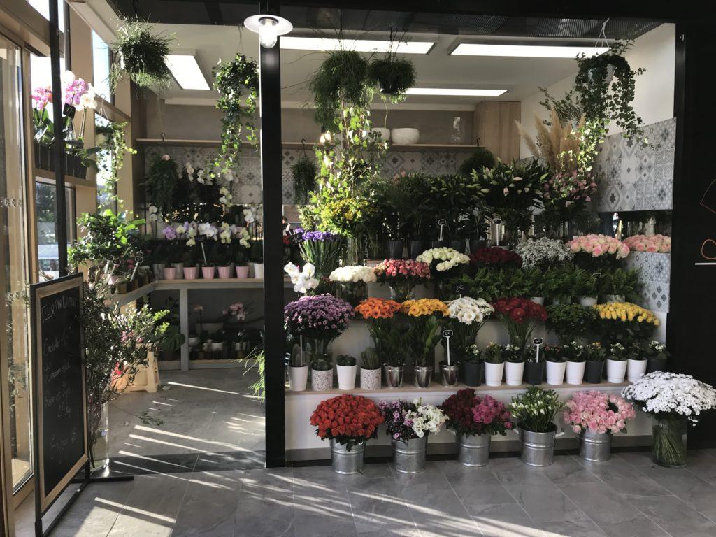 devanture halles plaza Boutiques fleur benjamin jean fleuriste montpellier