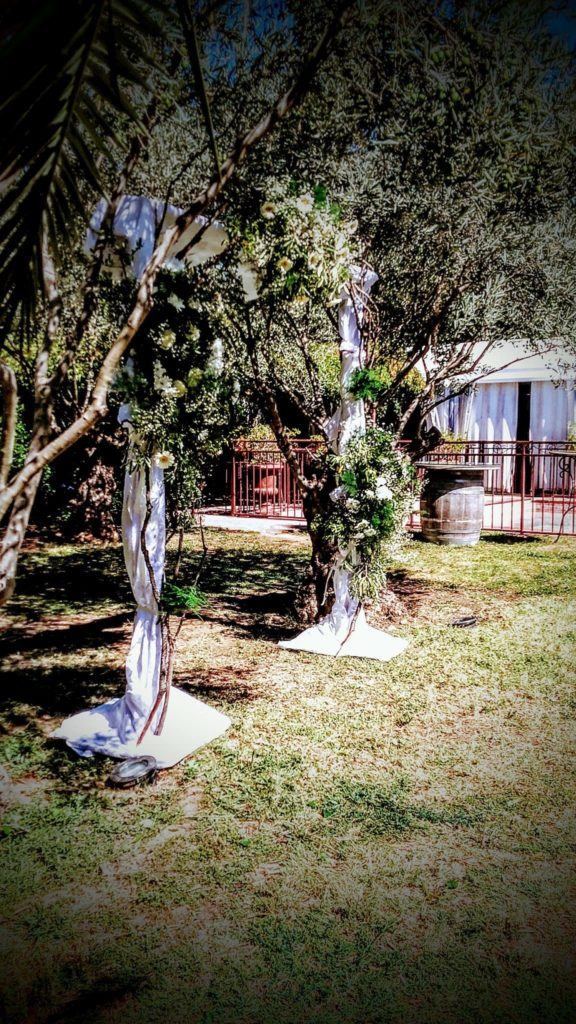 arche de mariage blanc  fleur par nature montpellier